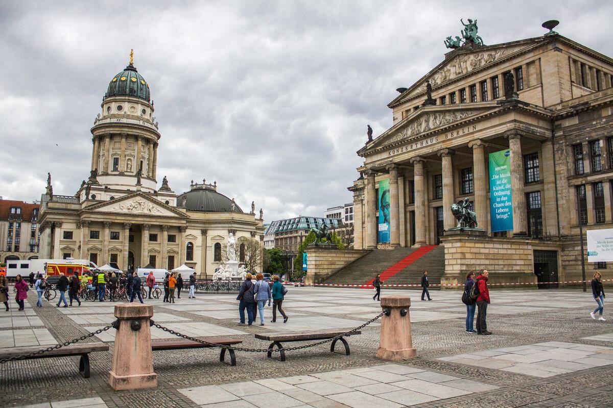 берлин достопримечательности фото и описание подчеркнуто