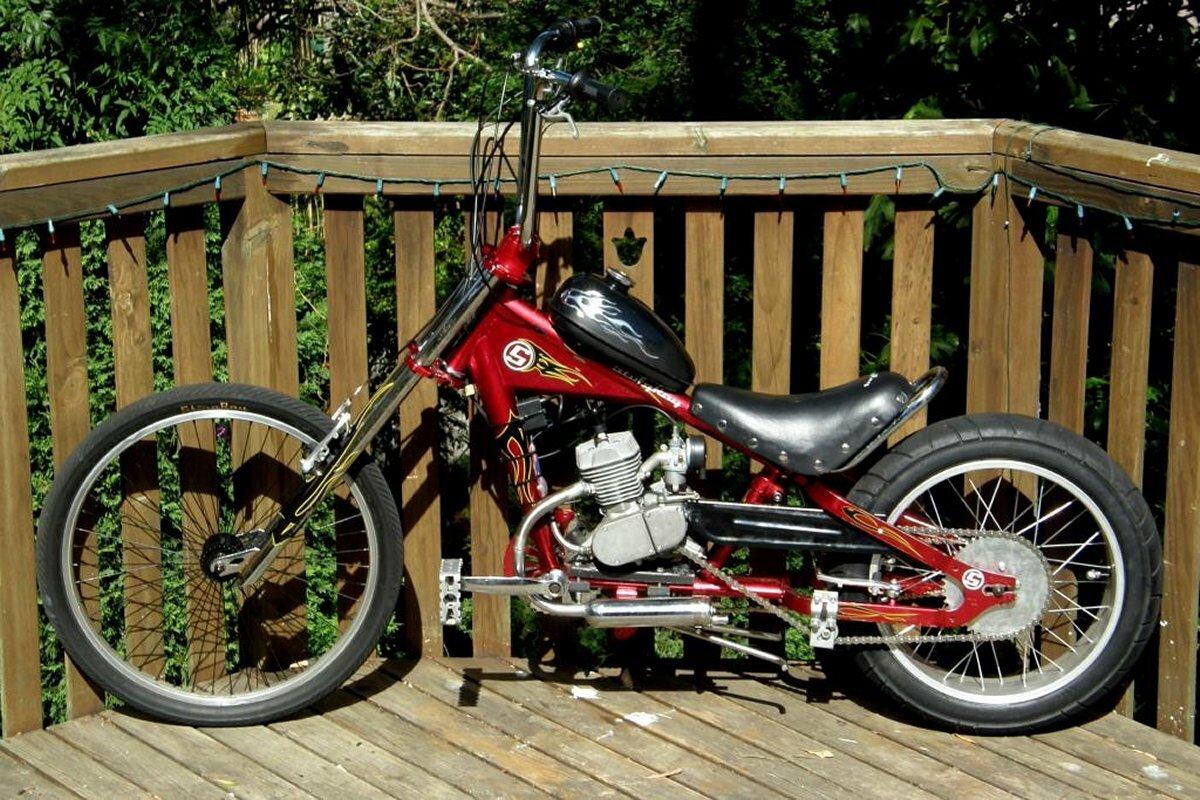 Велосипед-чопер с бензиновым мотором