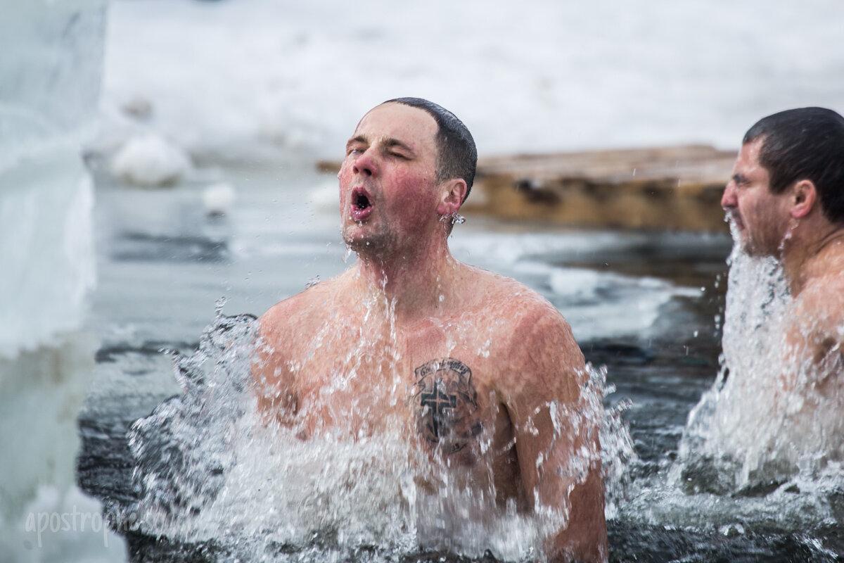 Крещение купание картинка