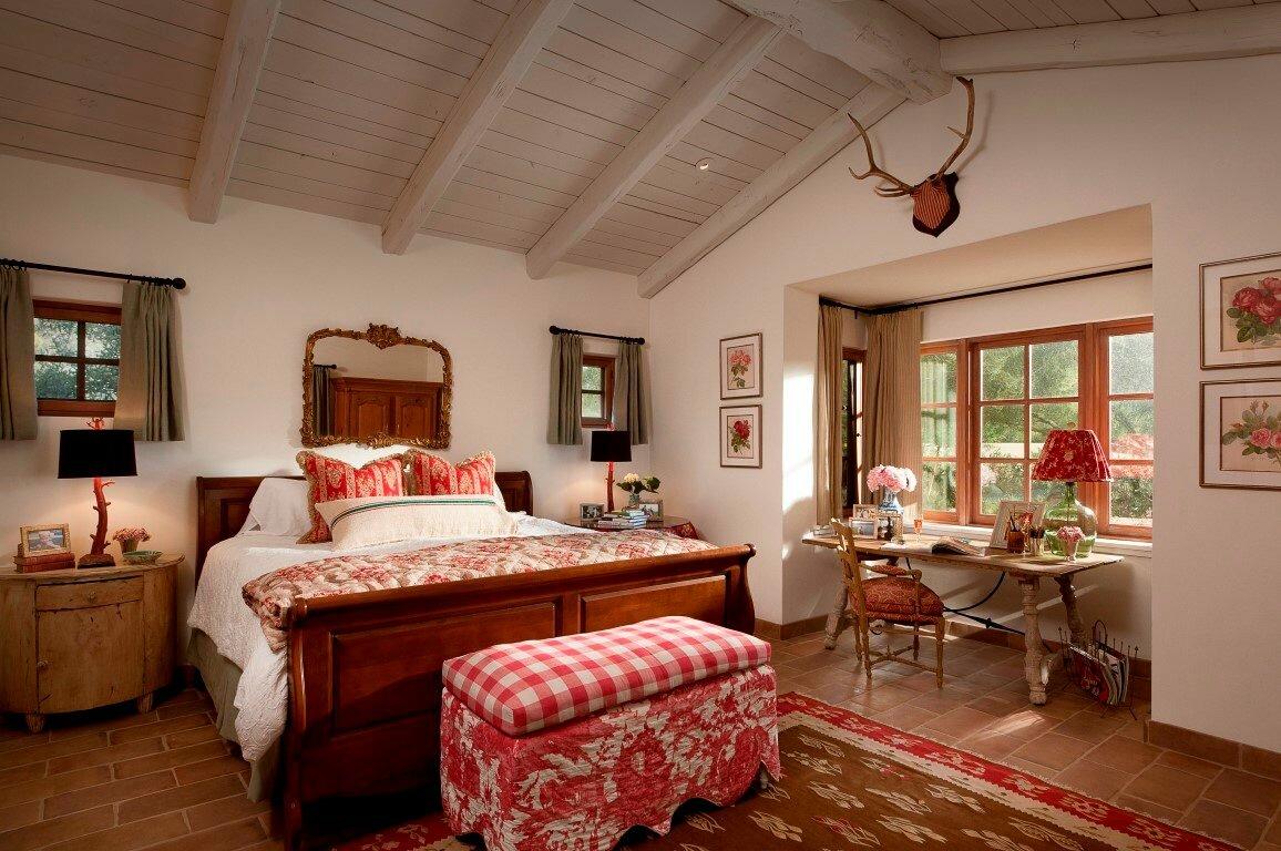 отмечает, спальня в стиле кантри фото интерьер крылья вытянутые, коричнево-чёрные