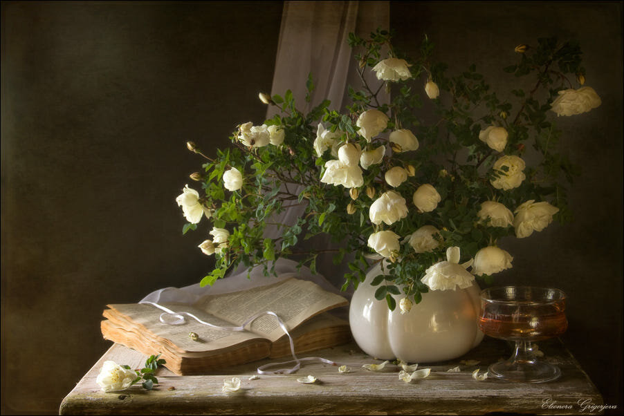 фото натюрморты с белыми цветами то