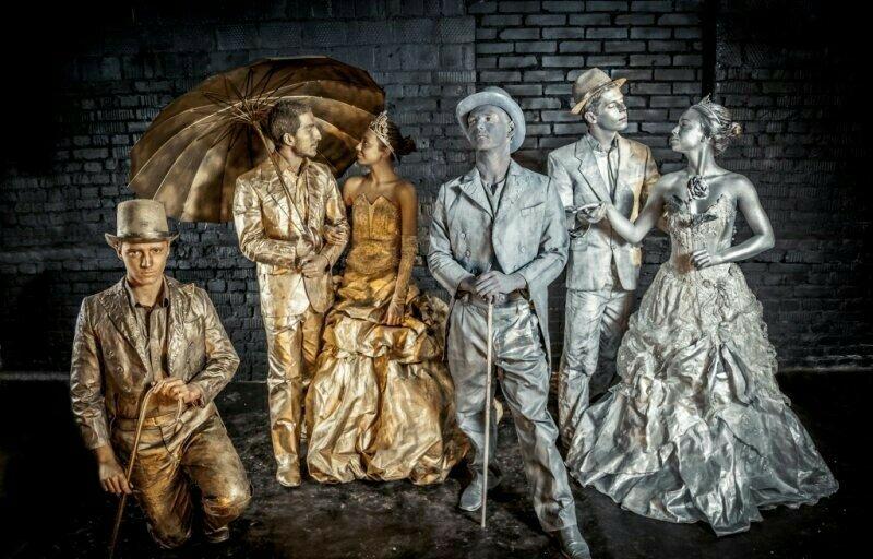 штучные картинки живые статуи цвета диванов определяют
