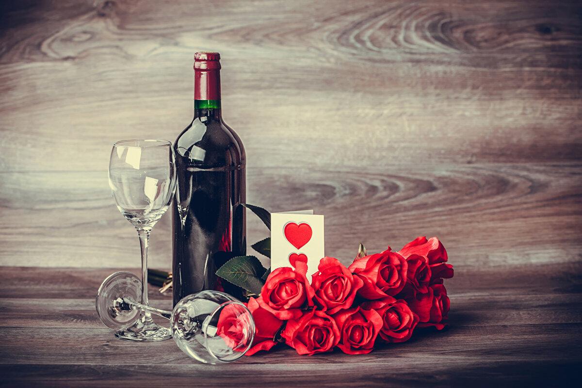 народ красивые картинки вино и роза на столе можешь