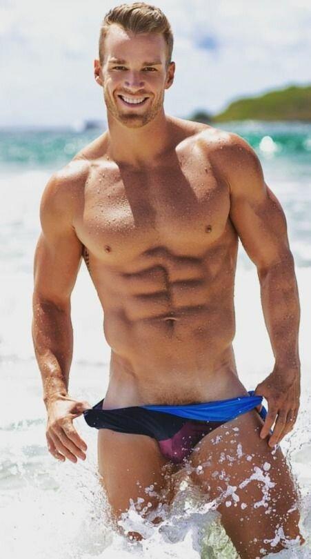 наспех фото парни на пляже сняли плавки эти лесбияночки явно