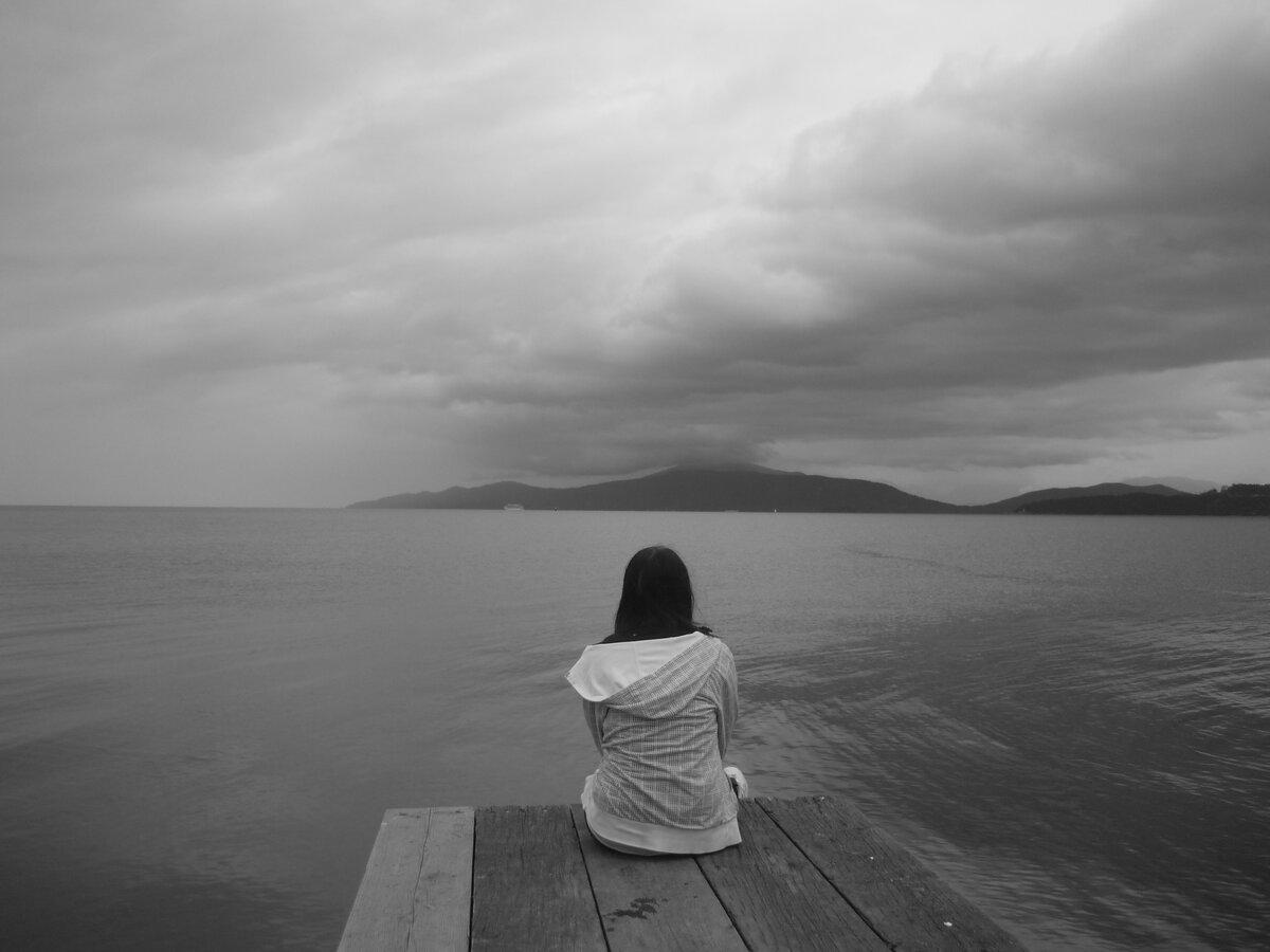 Картинки с надписью грустно одиноко больно, открытка