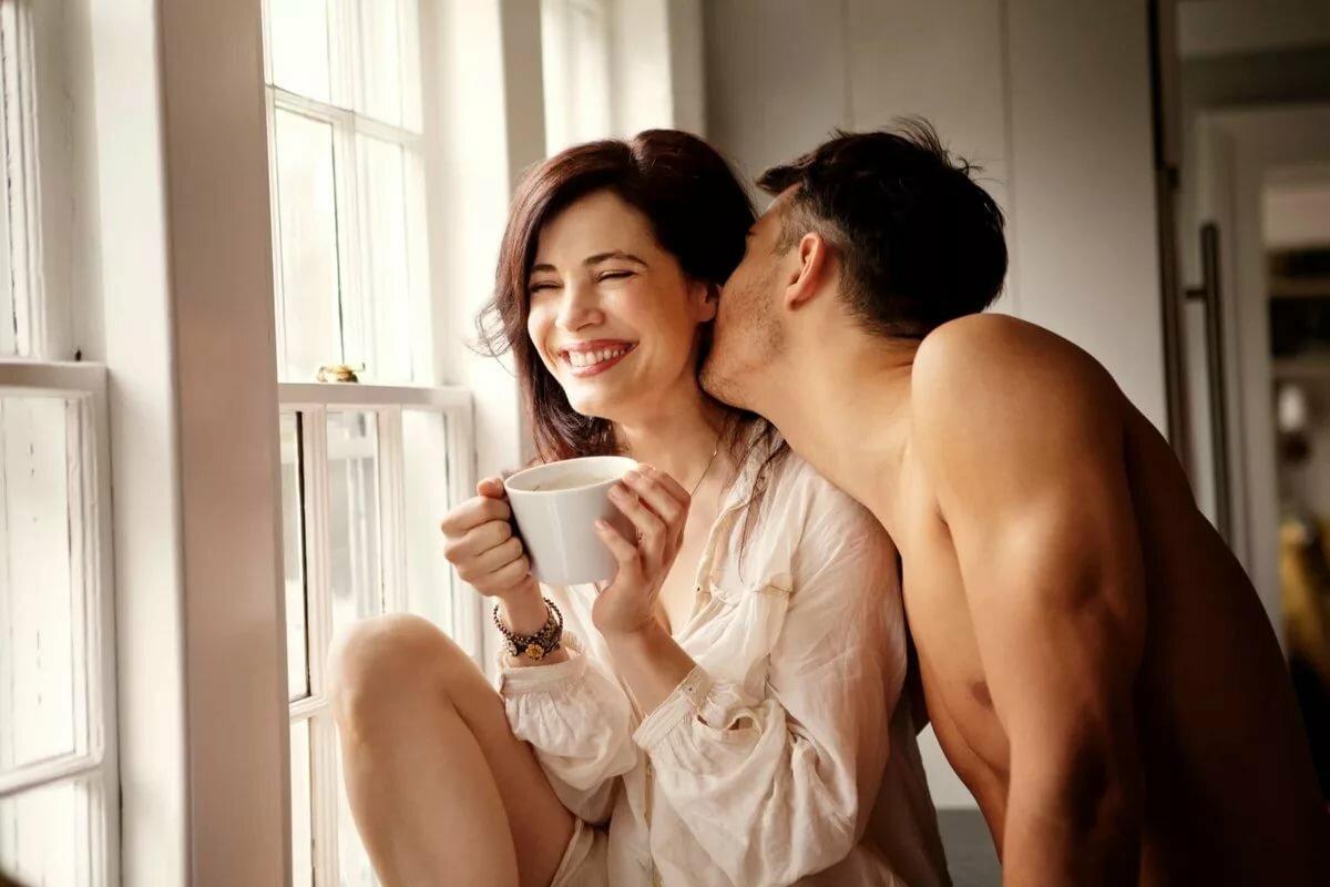 Картинки с добрым утром девушка целует парня