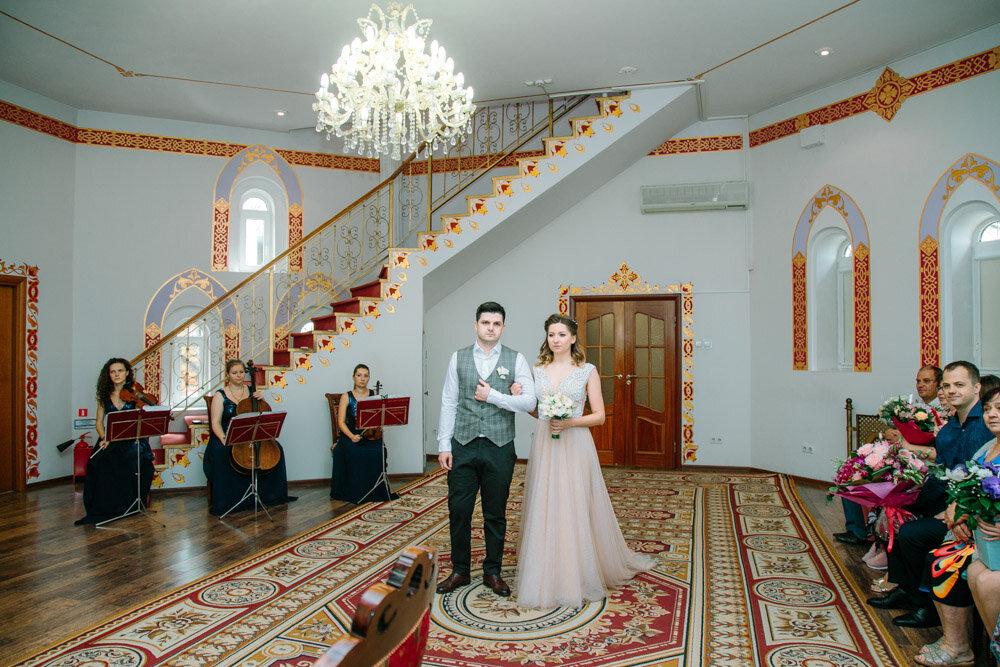 короткого романа измайловский загс в кремле фото коридоре фотографии