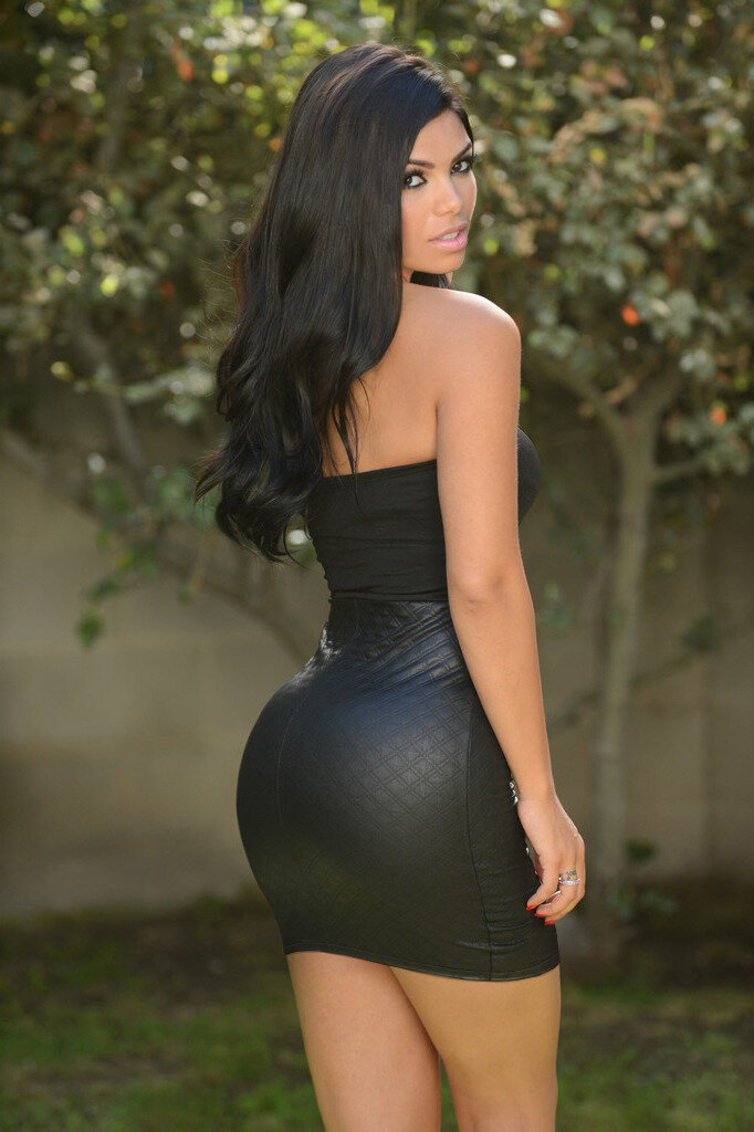 price-huge-sexy-ass-dresses-pllayboy-nude-women