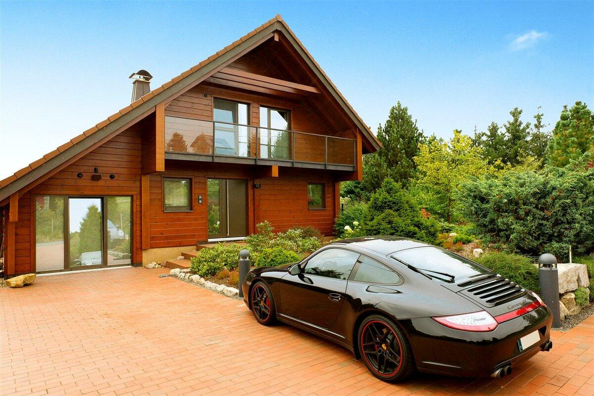 Картинки автомобилей красивые дома