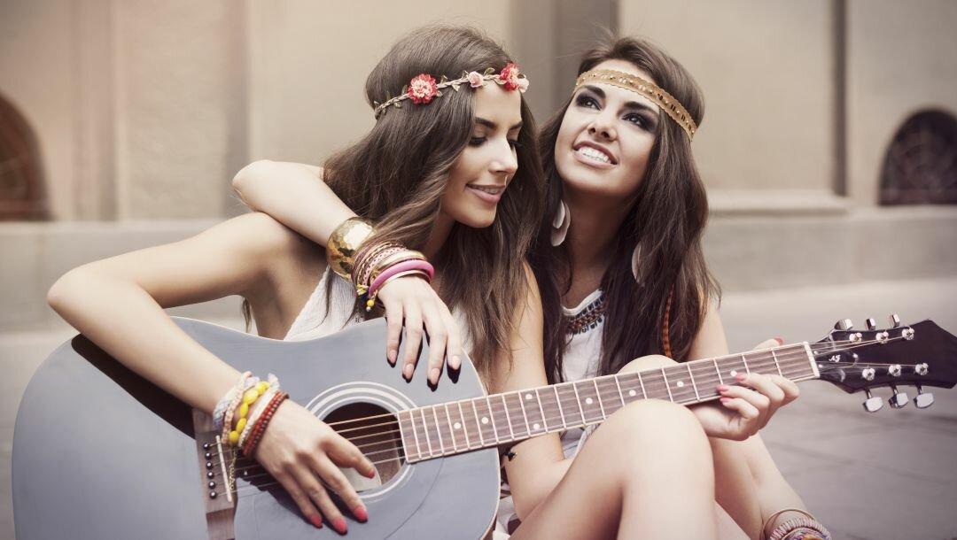 картинки две девушки подруги