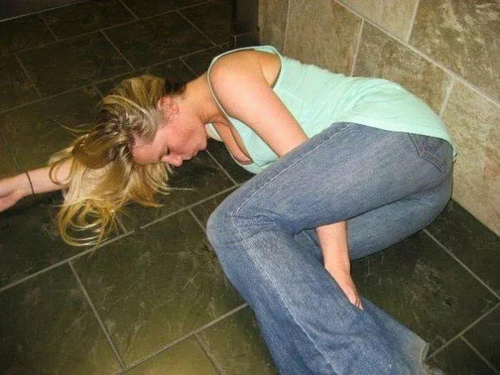 Смотреть видео про пьяных девок