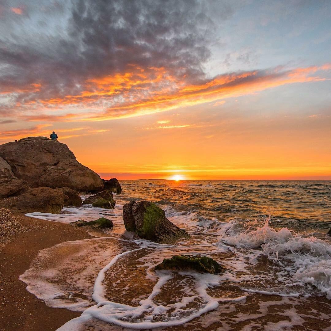 есть закат на море в крыму фото нем живет
