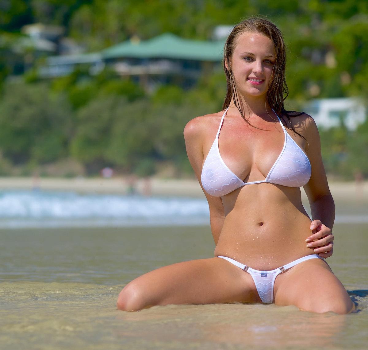 chastnoe-foto-v-bikini-video-anal-mah-hardkor