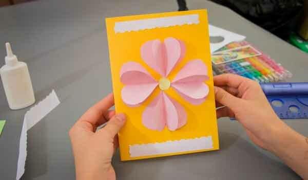Видео как сделать из бумаги открытку для бабушки