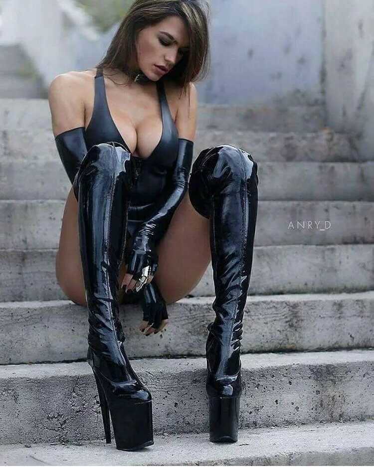 naked-girls-leather-hot-girl-with-man