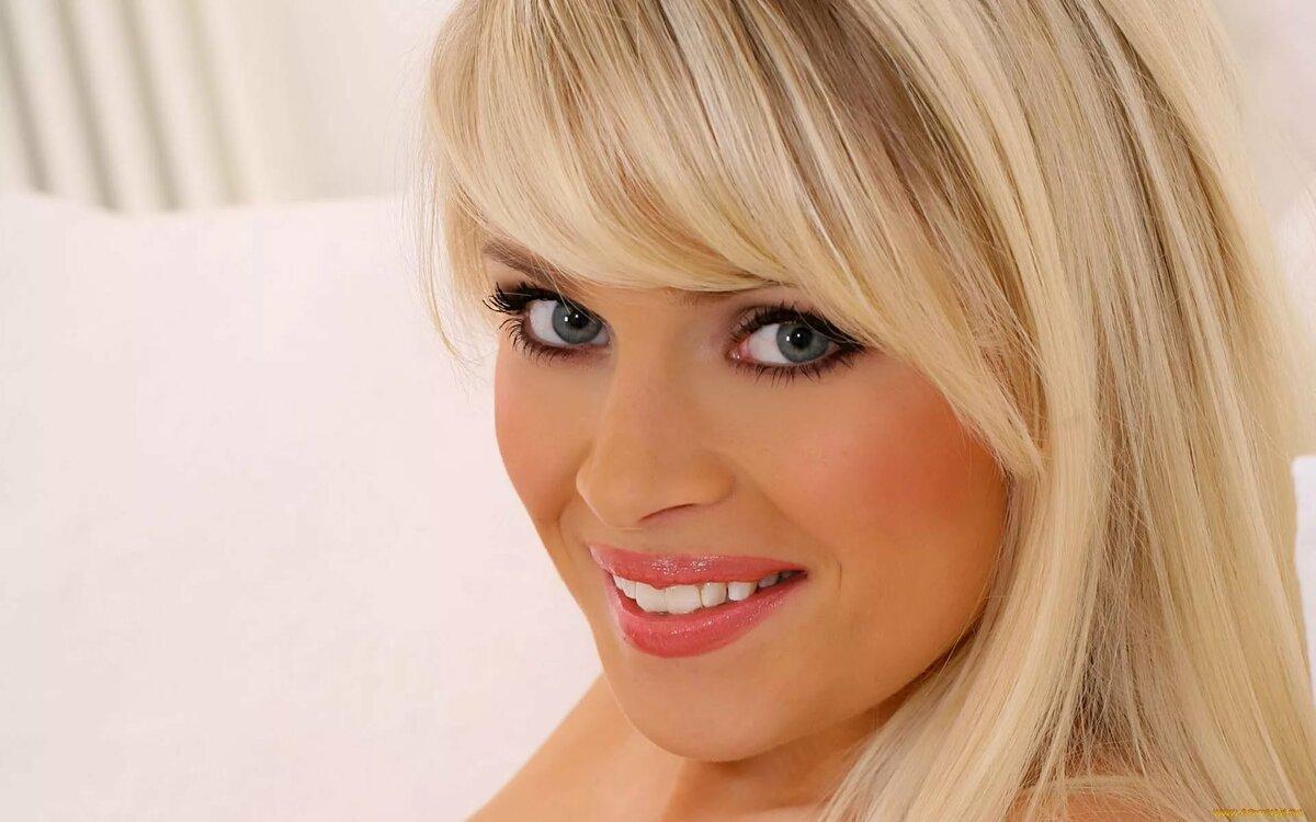 Фильмы обворожительная блондинка фото крупным планом моется ванной