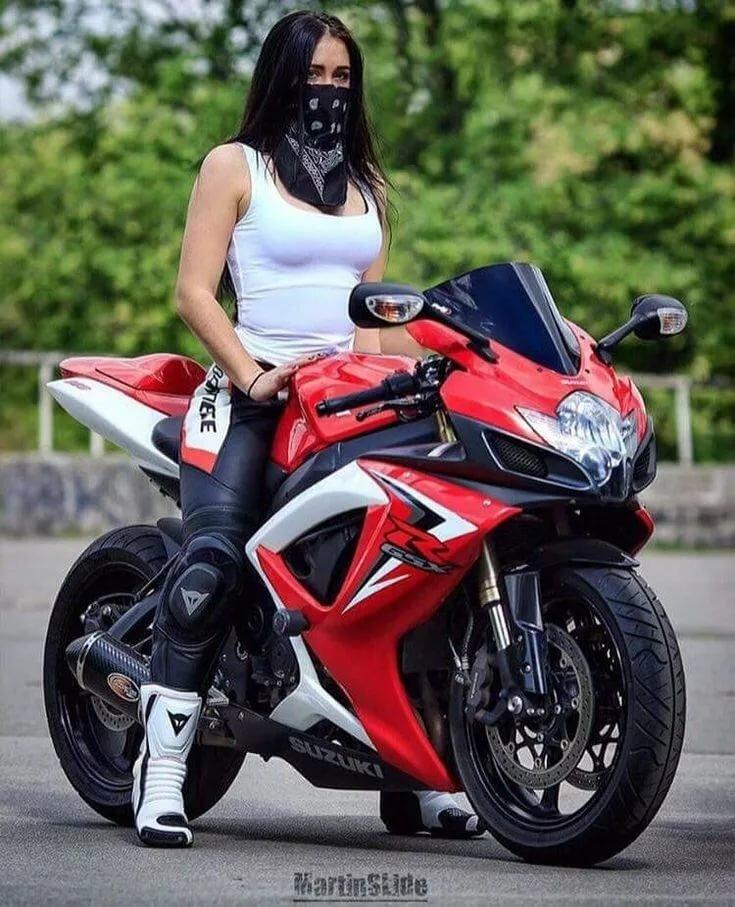 Красотки фото возле мотоцикла