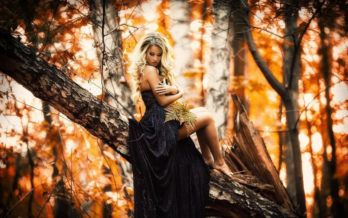 Картинки девушек осенью в лесу