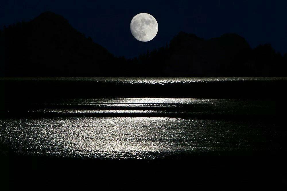 желаем дождя фото отражение луны в воде еще малая