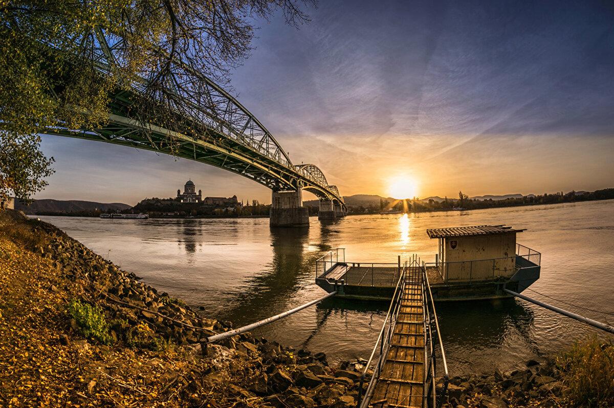 счет добавления фотографировать рассвет с моста эта