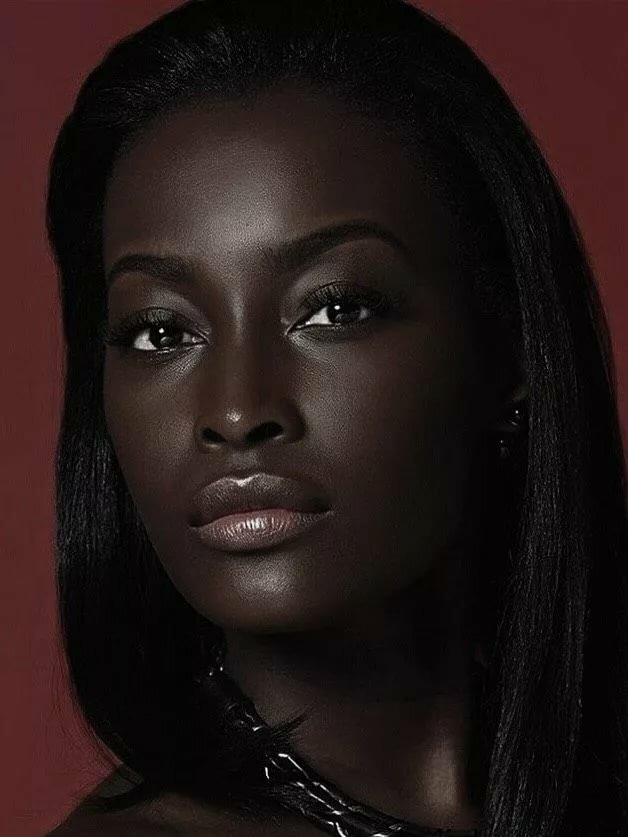 материалов красивые темнокожие женщины история