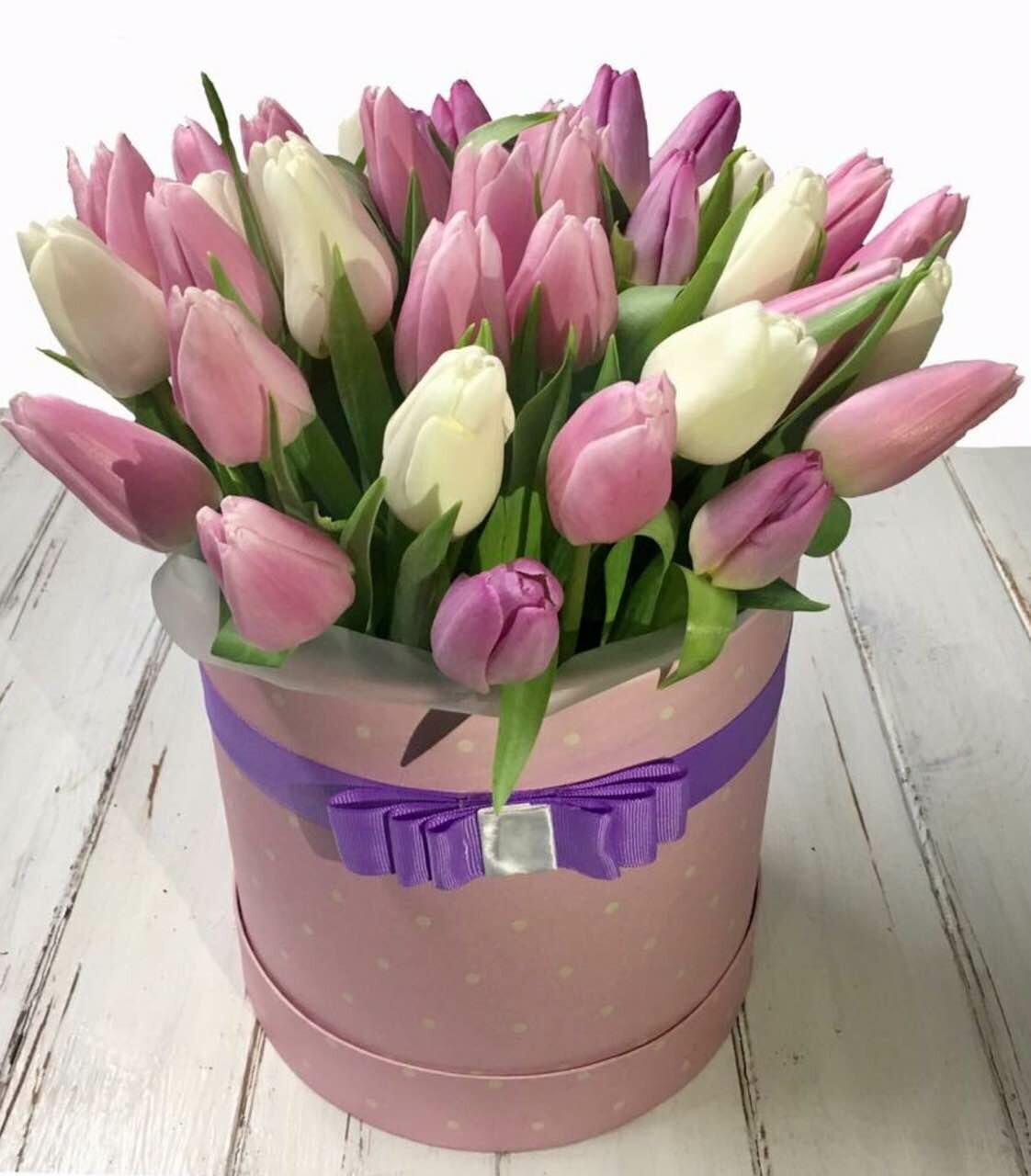 Тюльпаны букет в коробке, цветы оптовым ценам