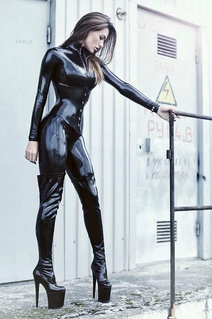 Porn black rubber girls best nude