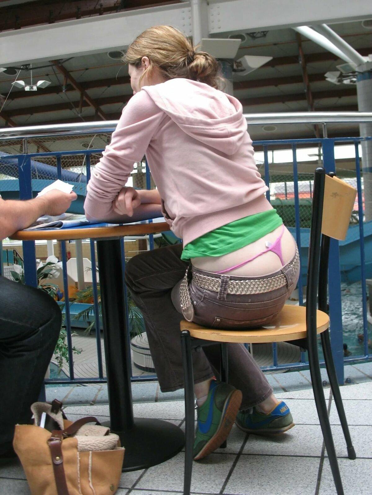 просмотр в прозрачном белье в общественном месте оба