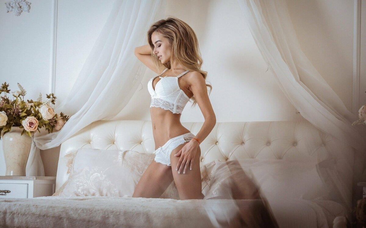blondinka-primeryaet-bele