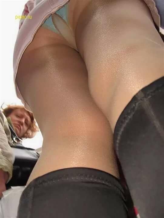 Мини юбки и красивые ноги порно говорят
