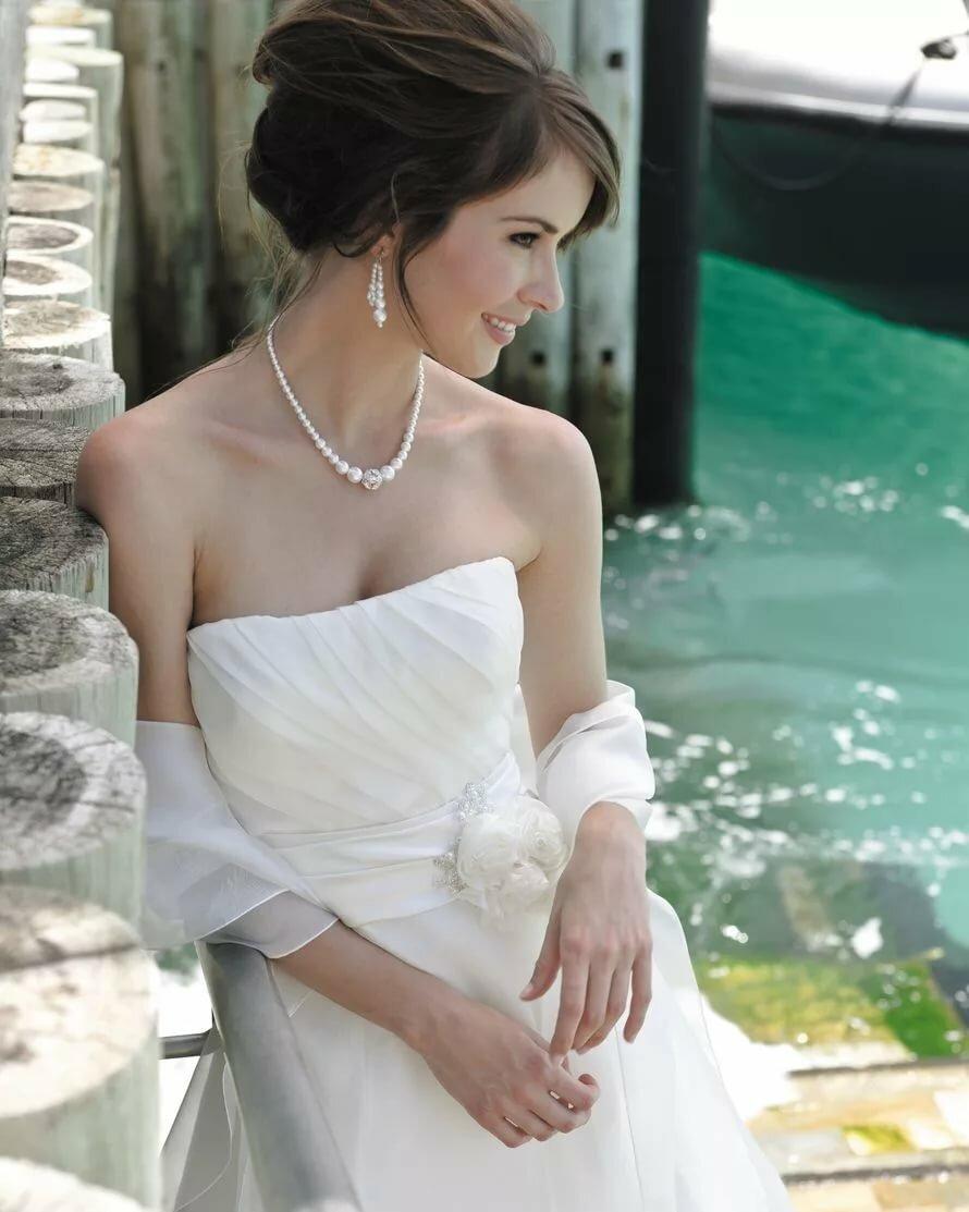 как подобрать украшение к свадебному платью фото выбор