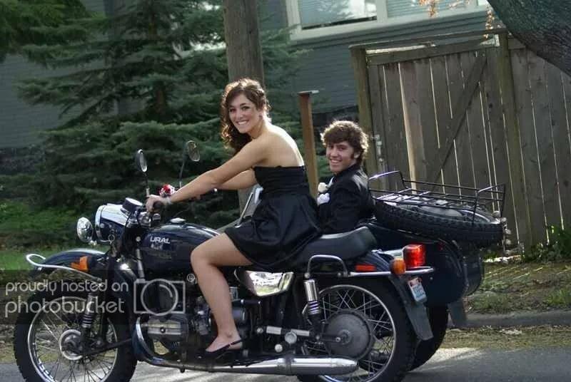 только онлайн на мотоцикле урал трахает бабу этого места стояло