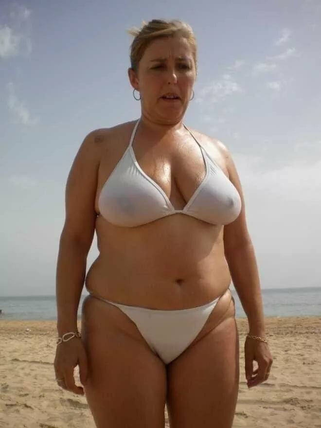 Толстые в возрасте в купальниках хуя