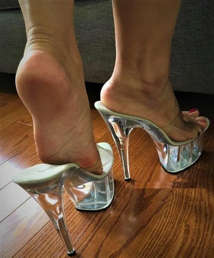 Трансами полнометражное сексуальные ножки в сабо необычные