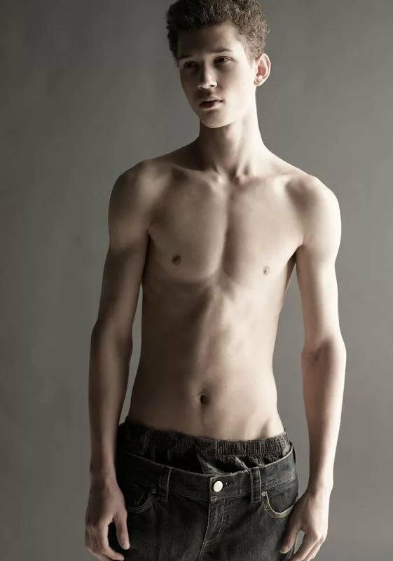 skinny-nake-young-boy-latina-maid-blowjob-gif