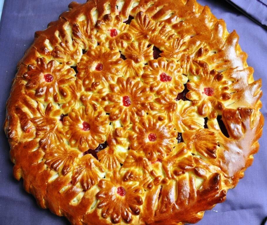 Украшение пирога сдобным тестом с фото