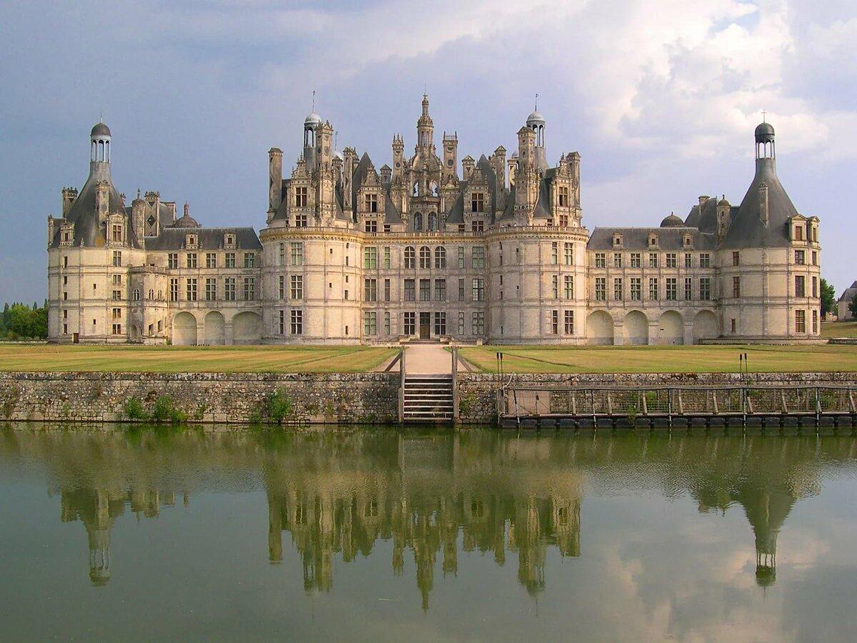 картинки крупных замков