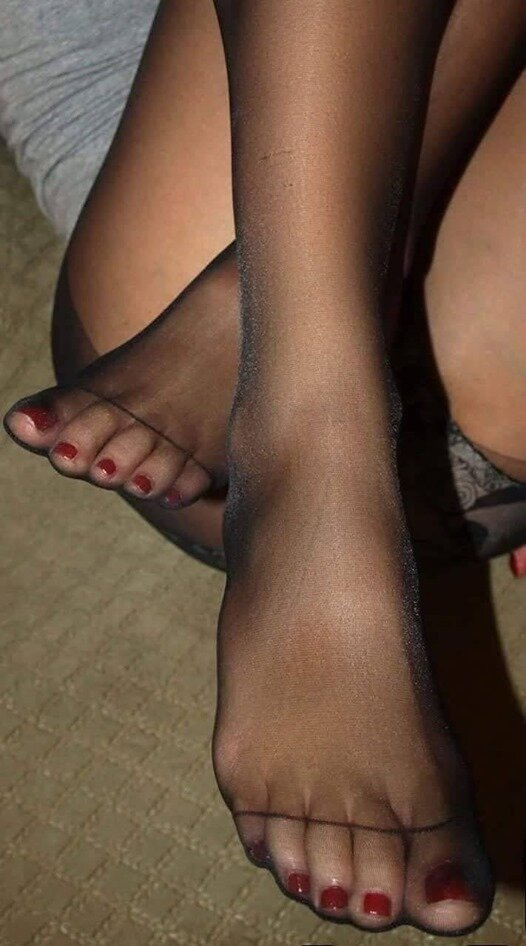 Фото ступни ног в колготках 6