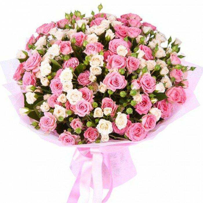 Оригинальный букет из розовых роз, цветов