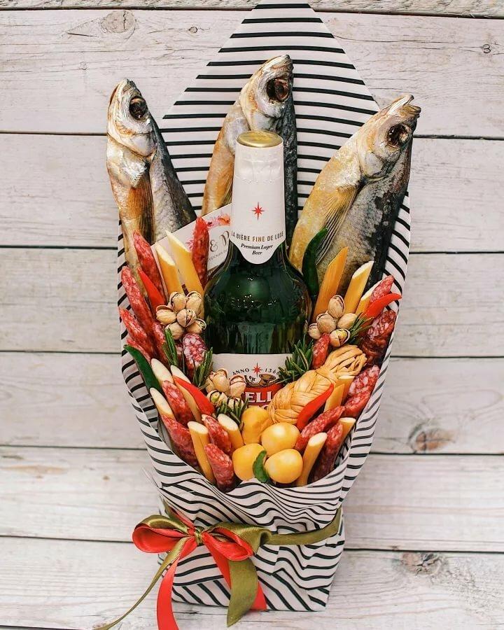 букет мужчине из пива и рыбы фото