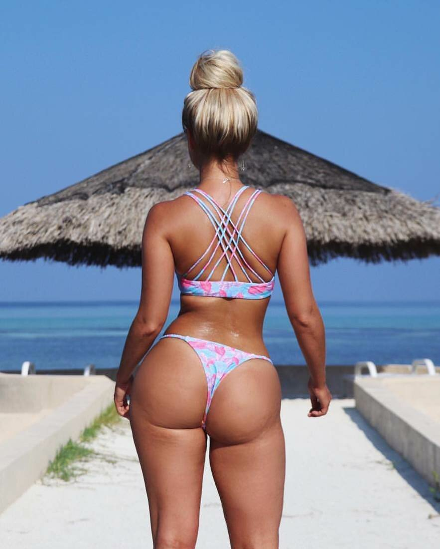 fat-pussy-girls-with-thongs-on