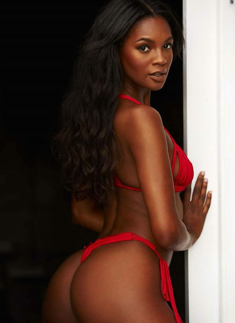Пышная Афро-Американка Жасмин Уилкинс