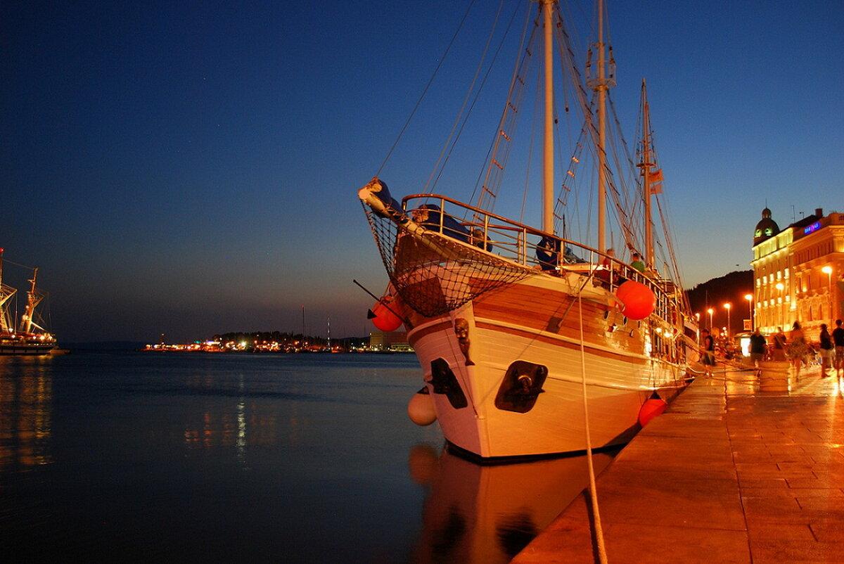тяжело фото морской порт парусники слышал какой-то