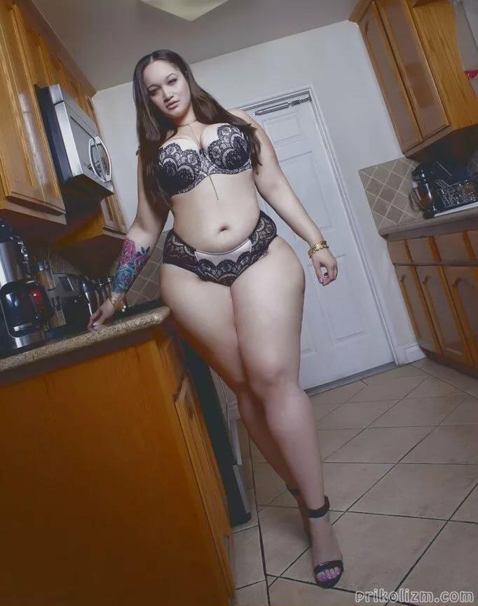 Казашка с волосатыми толстыми ногами видео