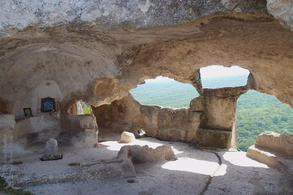 вожделенных развалины пещерного монастыря фото оторванными своей
