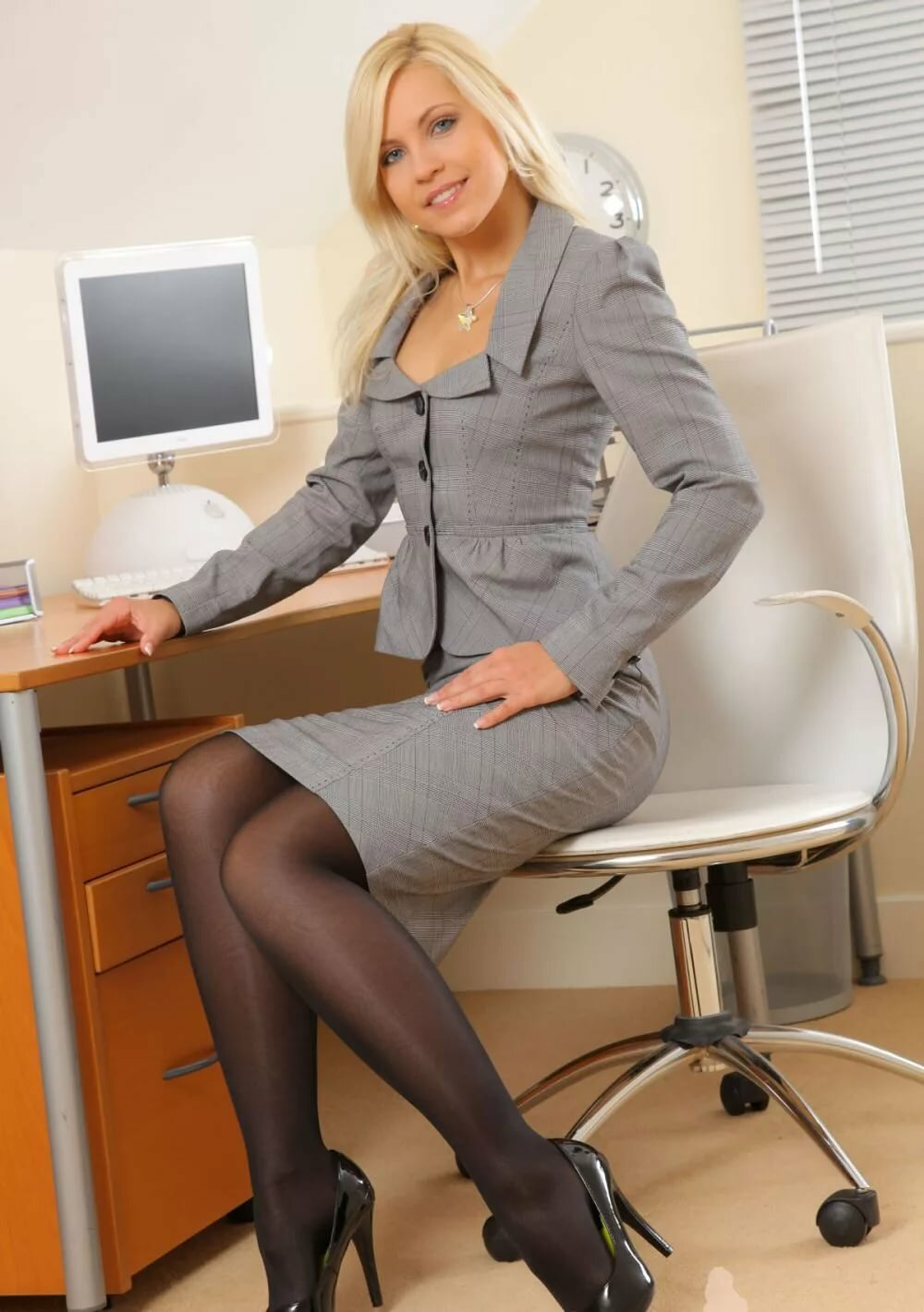 Business suit pantyhose — photo 6