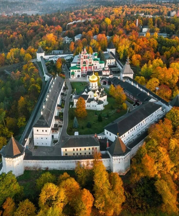 Монастырь в звенигороде фото