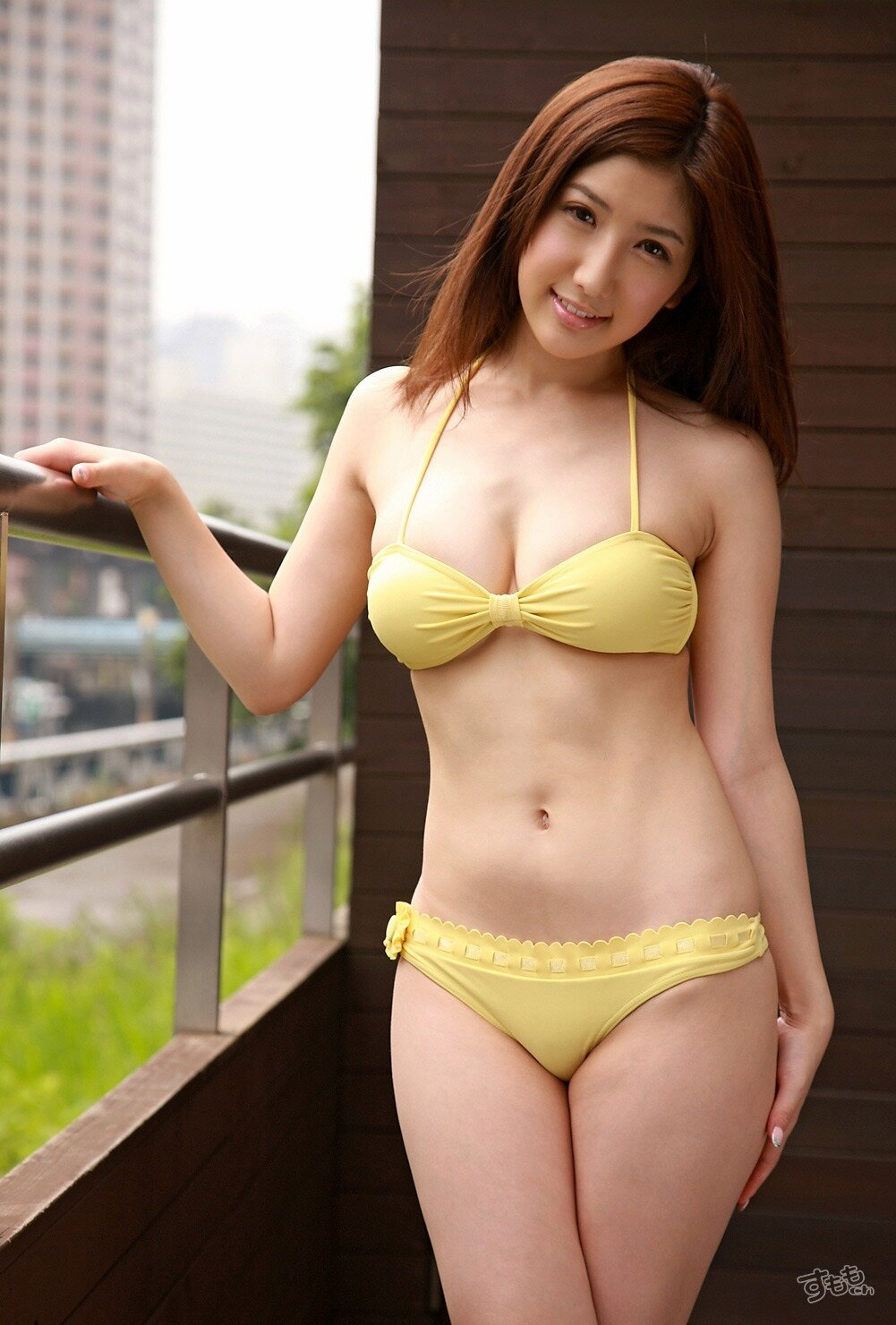 menon-full-japanese-full-figured-bikini-models-pics