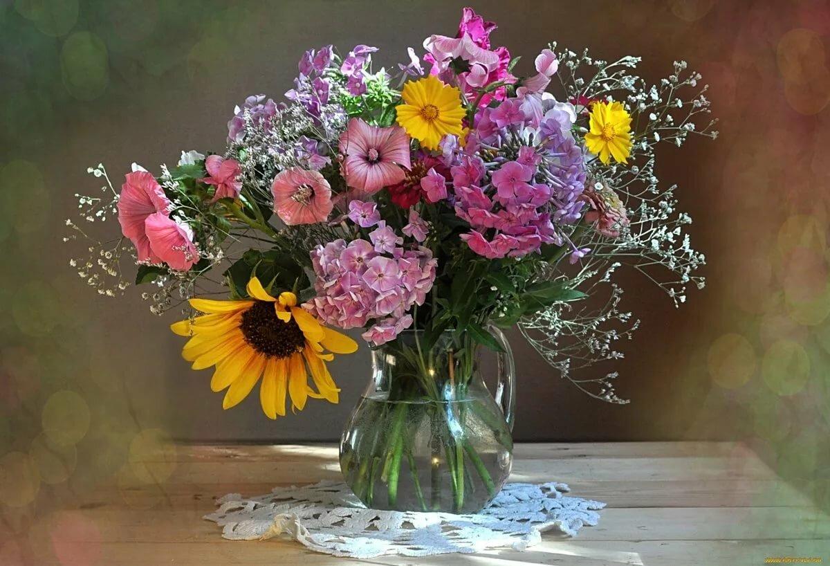 фото цветов букетов в кувшине сорта