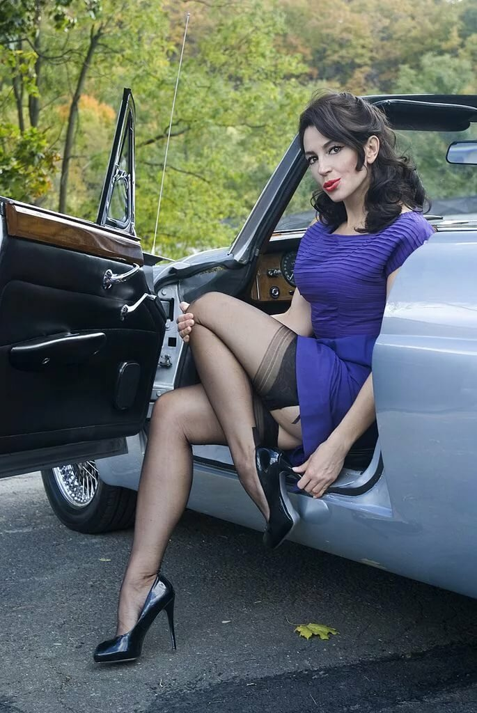 Pantyhose legs in cars may porn